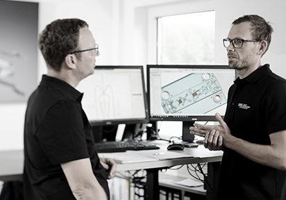 Konstrukteure bei HAILTEC im Gespräch